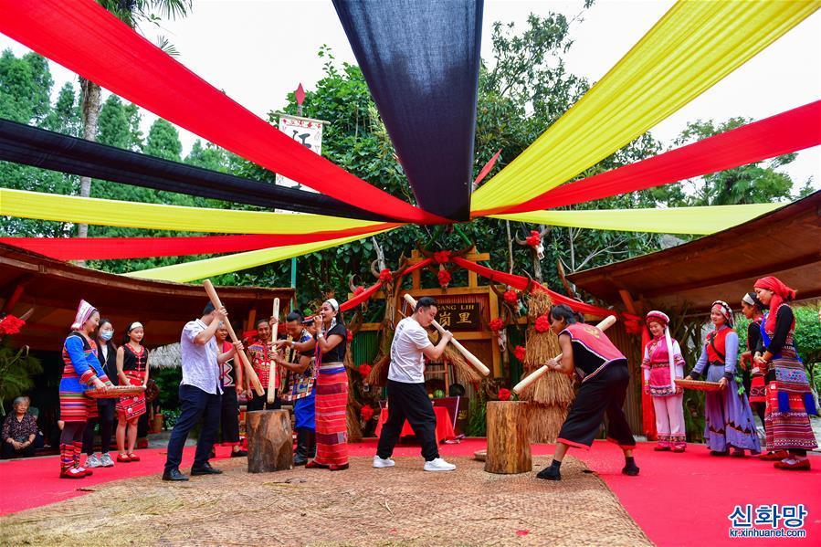 (新華視界)(1)體驗佤族節日 樂享中秋假期